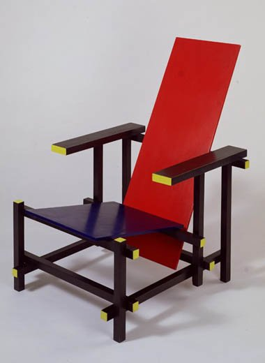 gerrit rietveld red blue chair 1918 1923 noscheveuxsontlongs. Black Bedroom Furniture Sets. Home Design Ideas